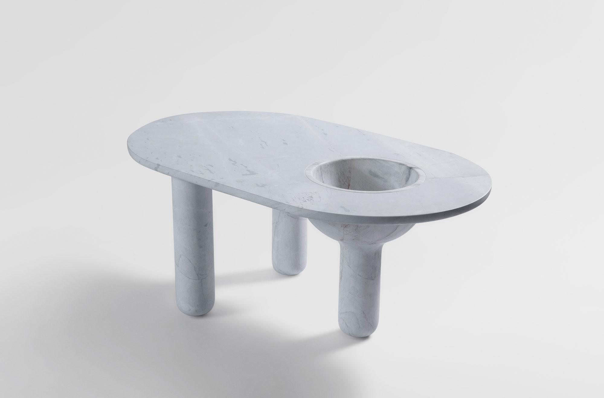 New_Volumes_Artedomus_three_leg_table